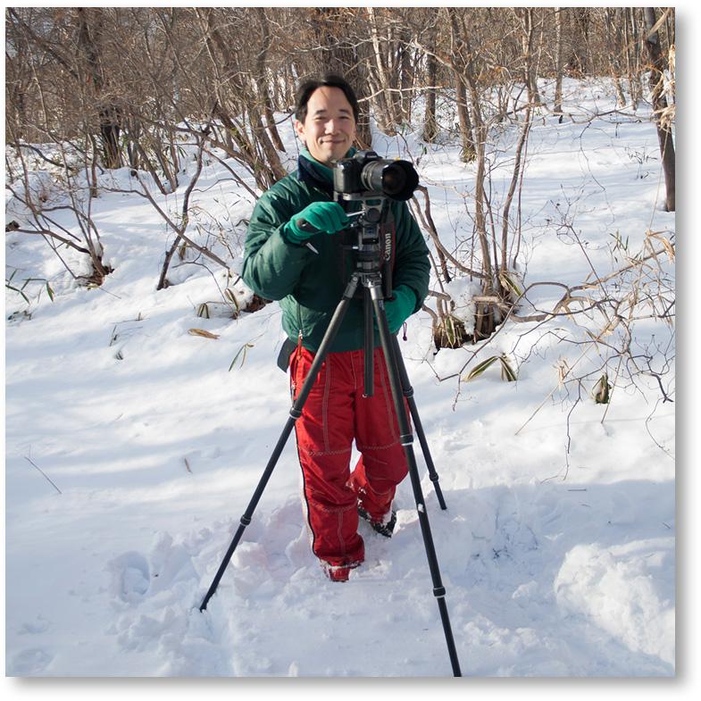 三脚を立てて親子写真の撮影準備