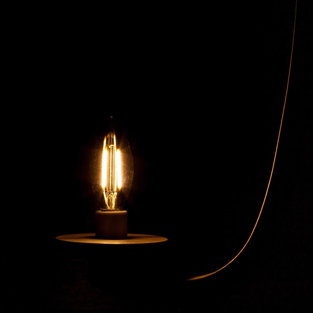 LEDのシャンデリア電球 フィラメントの様