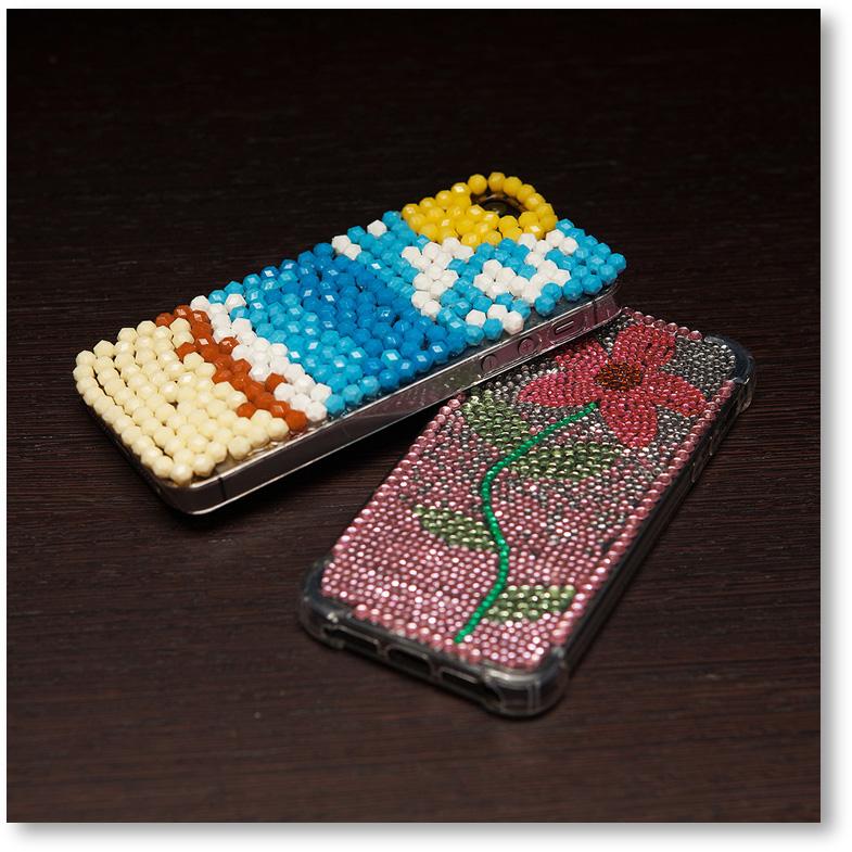 ビーズとラインストーンの携帯電話カバー