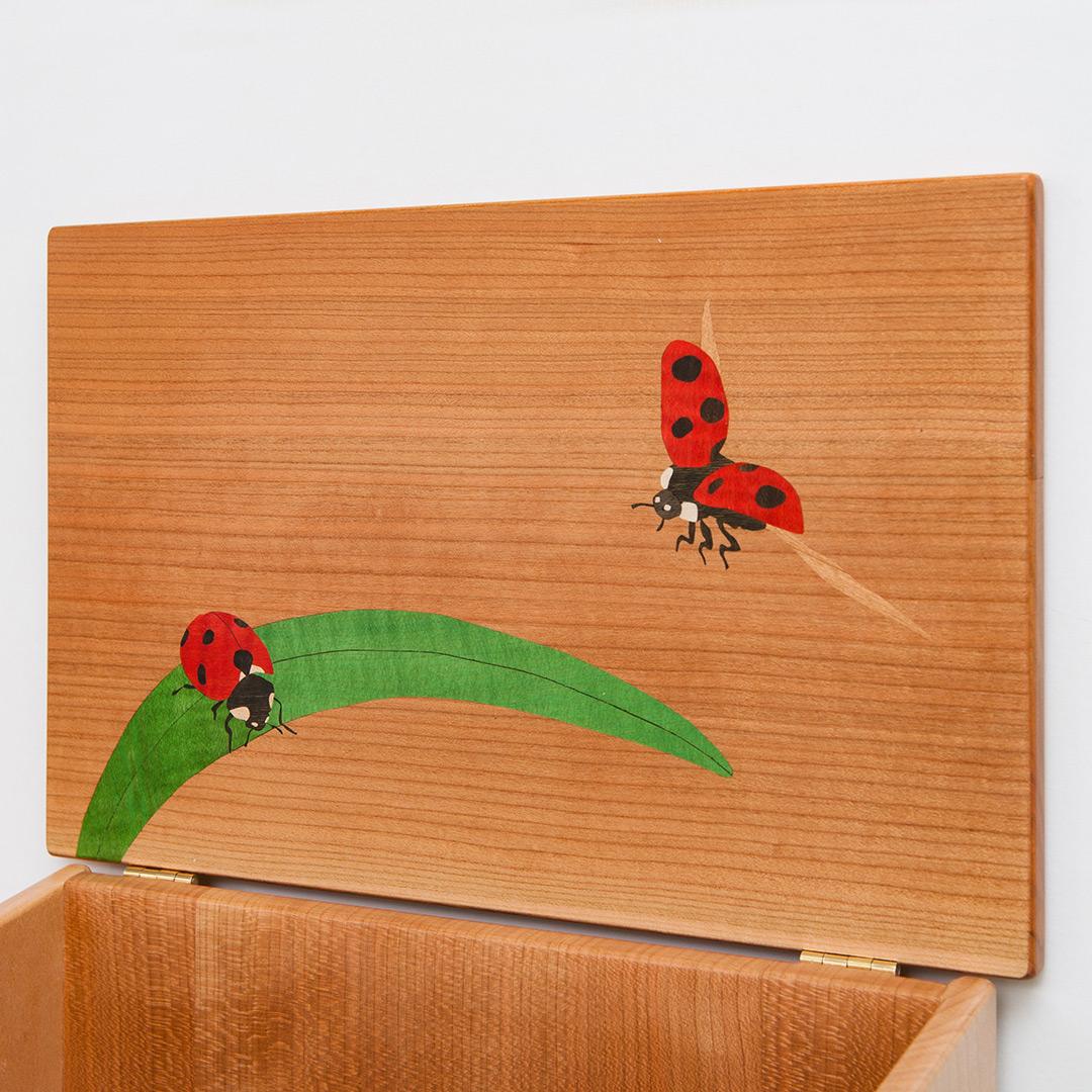 木製の郵便箱