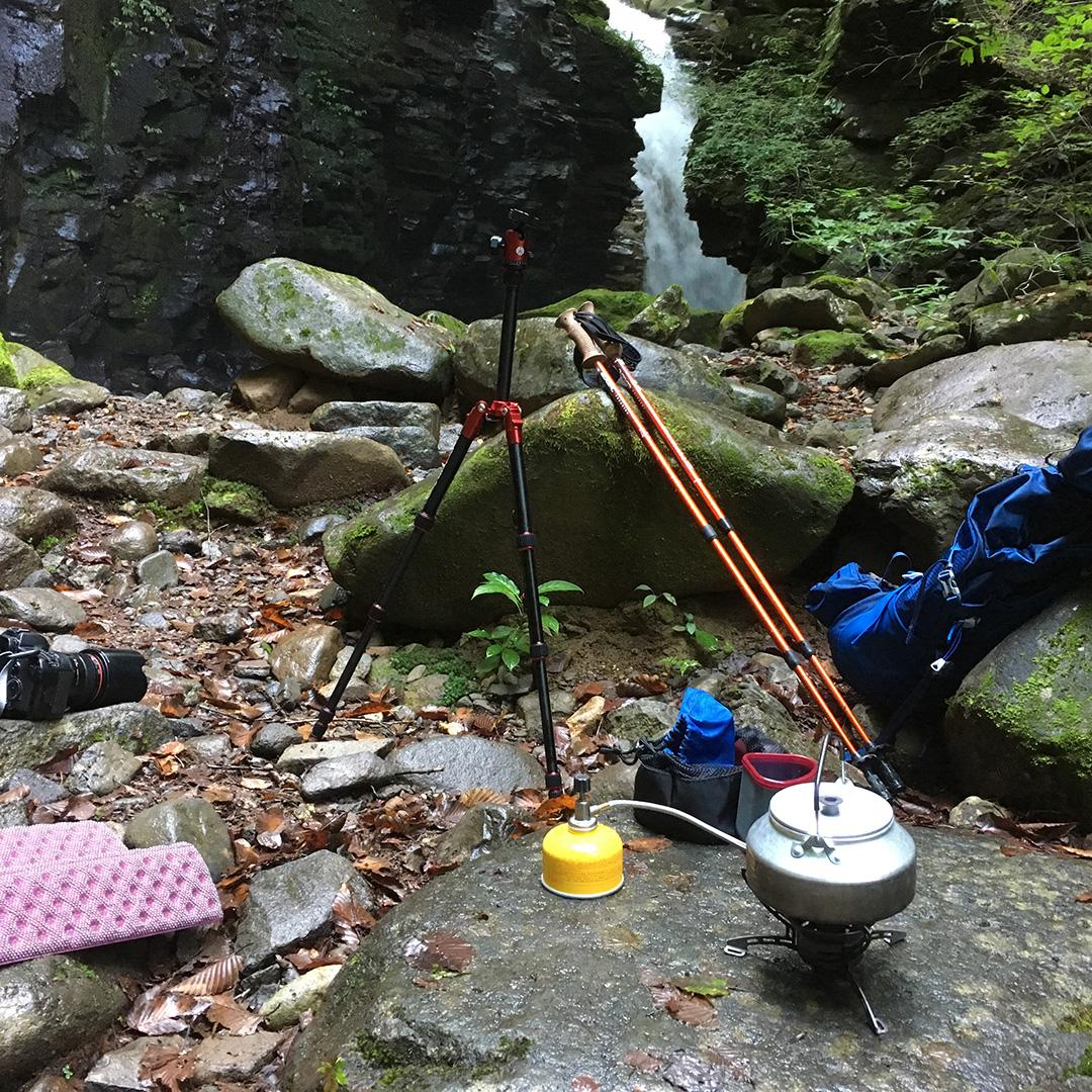 雄飛の滝を見ながらお茶にする