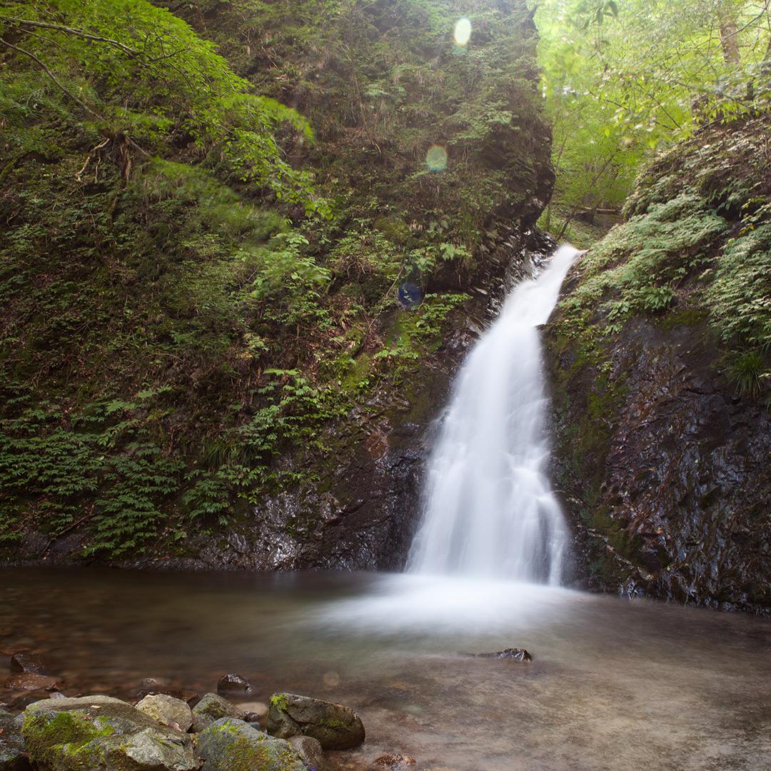 PLフィルター無しでの滝の写真