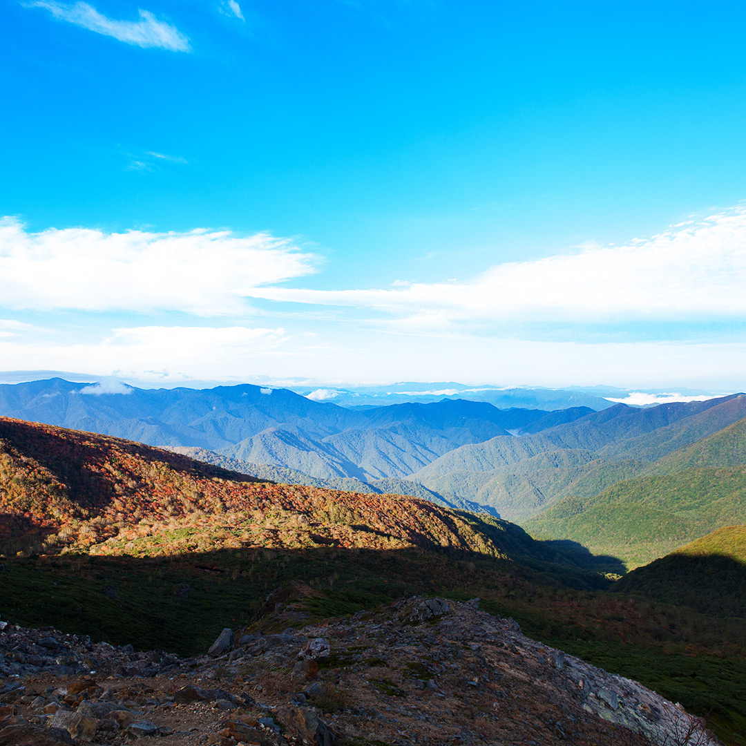 早朝の那須岳トレッキング