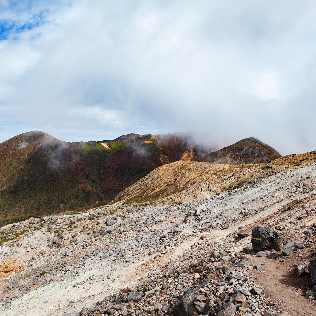 茶臼岳を歩く
