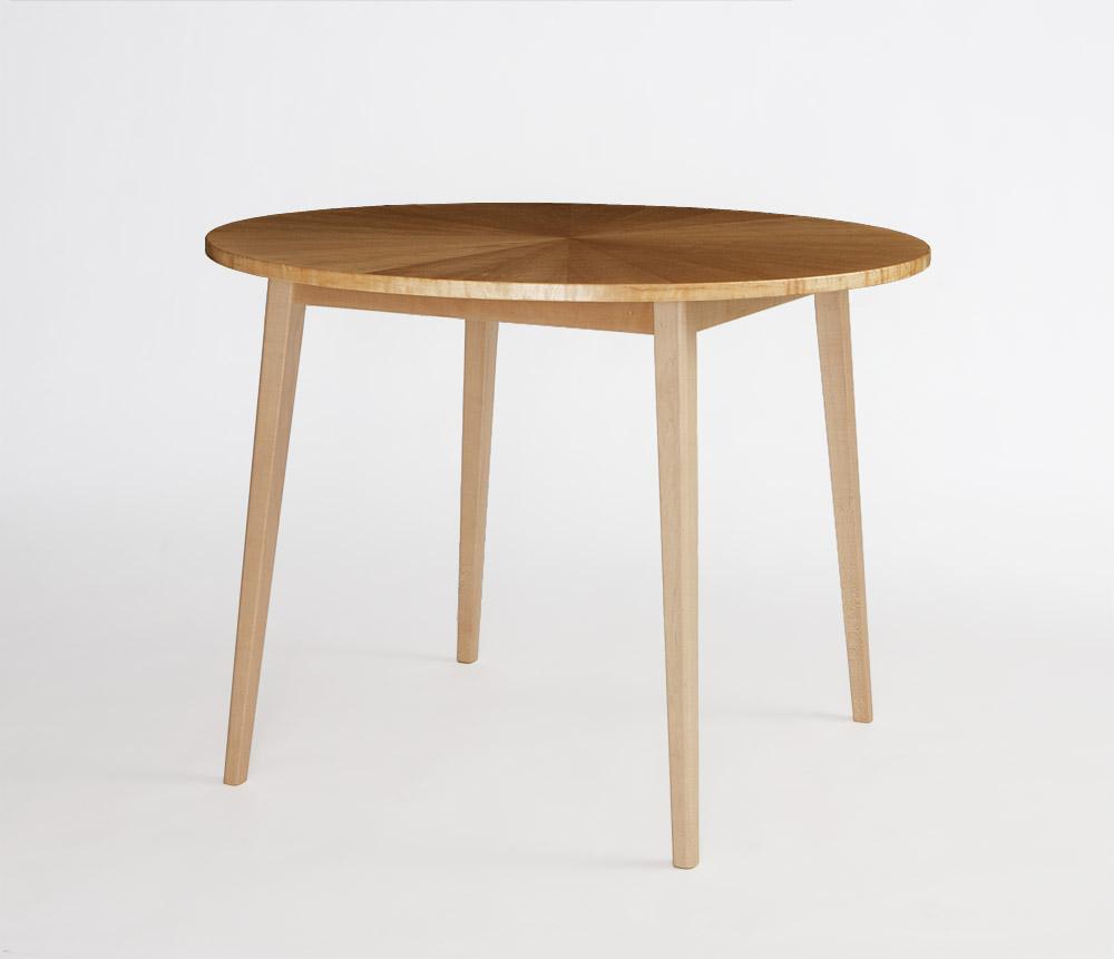 特注の丸いダイニングテーブル